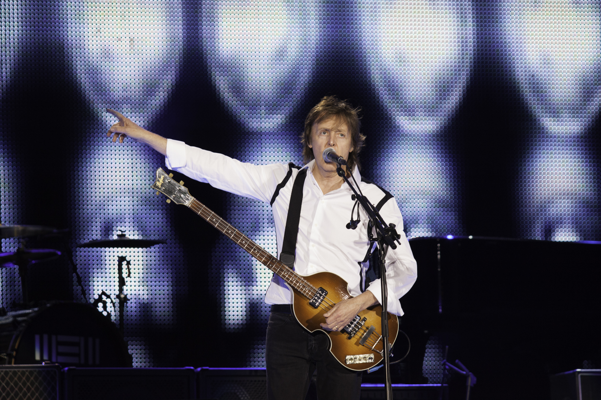 Paul McCartney - Out There Concert |