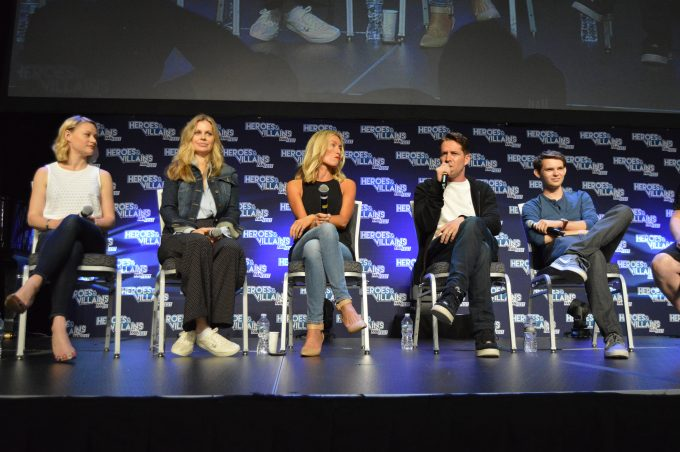 Emilie de Ravin (Belle), Kristin Bauer (Maleficent), Victoria Smurfit (Cruella de Vil), Sean Maguire (Robin Hood), Robbie Kay (Peter Pan).