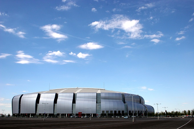 University_of_Phoenix_Stadium_in_Glendale_Arizona_from_Flickr_217796482
