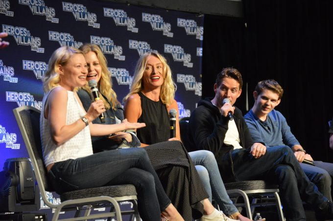 Emilie de Ravin,Kristin Bauer,Victoria Smurfit,Sean Maguire,Robbie Kay  of Once Upon a Time
